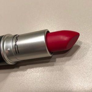 💄MAC Retro Matte Lipstick - Ruby Woo